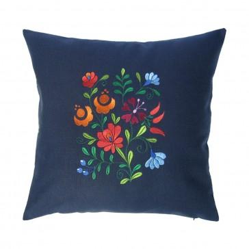Almofada bordada com flores