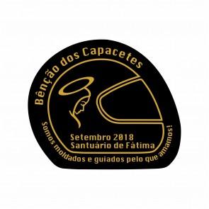 Adhesivo con el logotipo del evento com laminación UV.