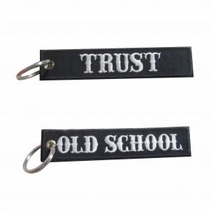 Llavero bordado Old School – Trust